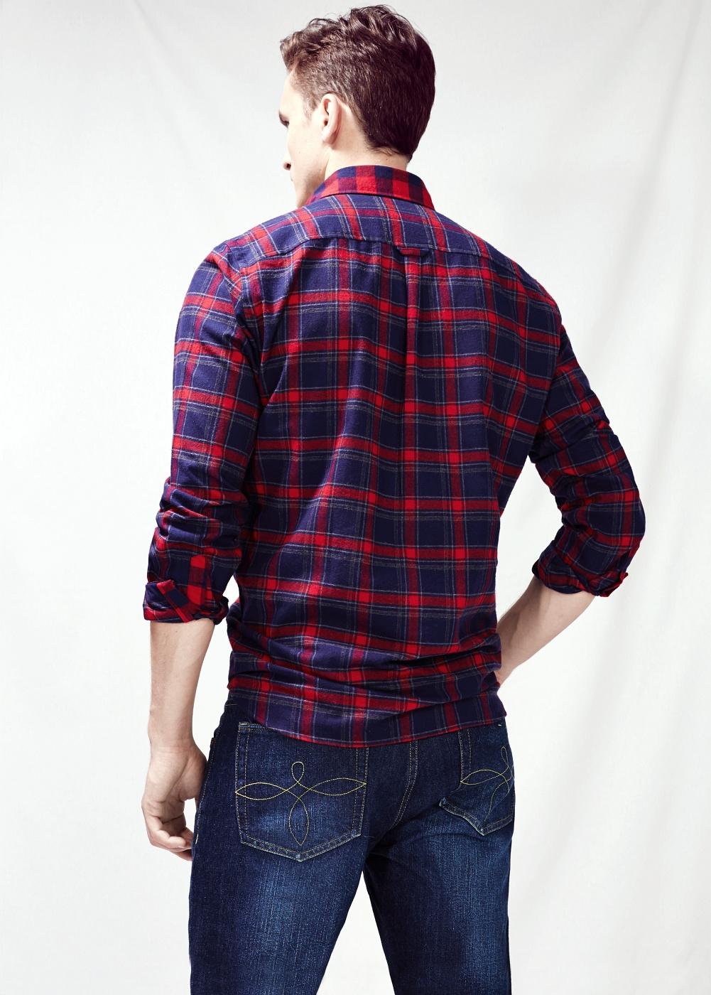 Camisa de cuadros classic-fit y jeans vintage