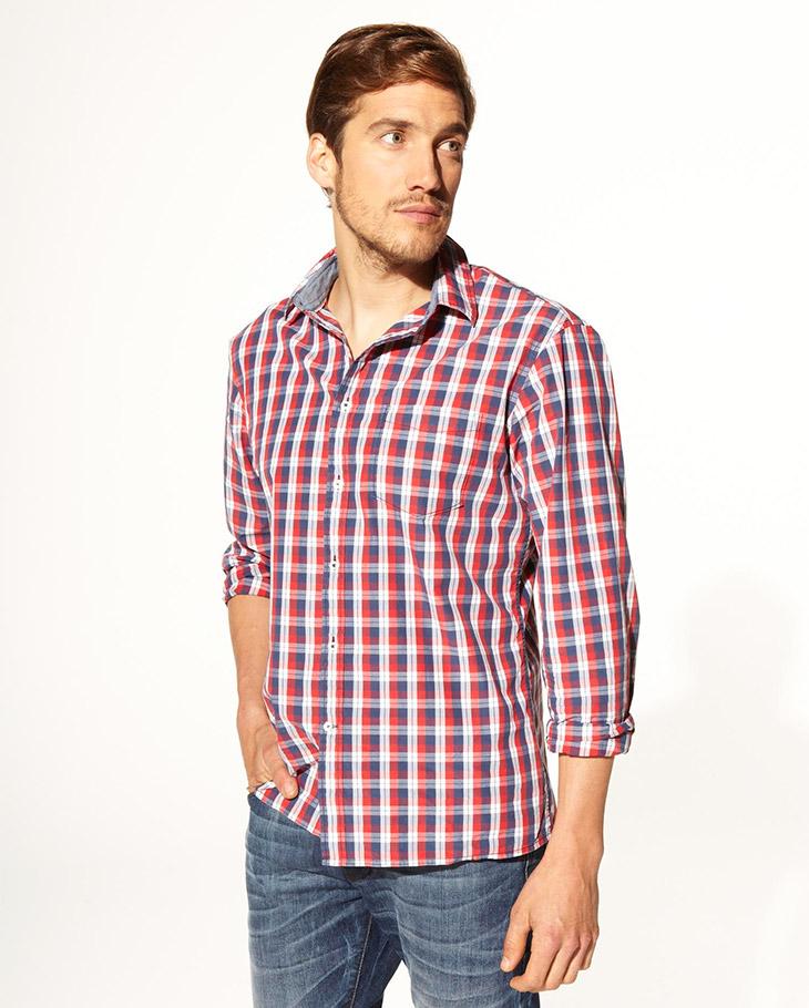 Camisas a cuadro en tonos rojos