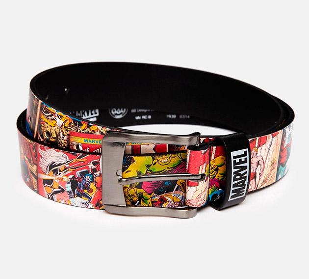 Cinturón con estampado Marvel de New Look