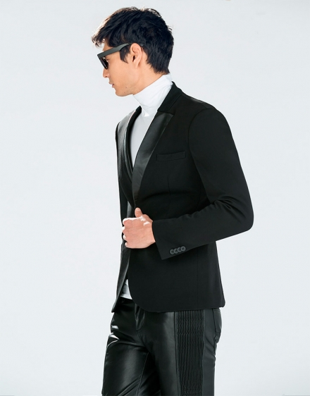 Look moderno con un blazer Zara