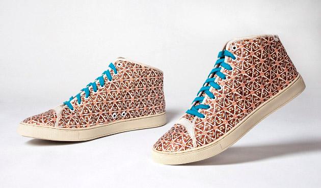 Zapatos con la caca con ojos