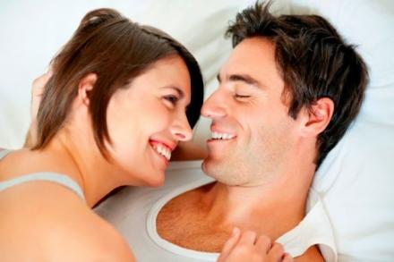 Cómo animar a tu pareja a usar juguetes eróticos